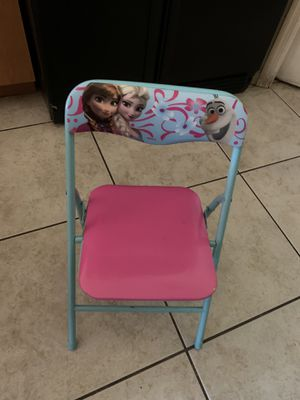 Frozen kid chair for Sale in Cape Coral, FL