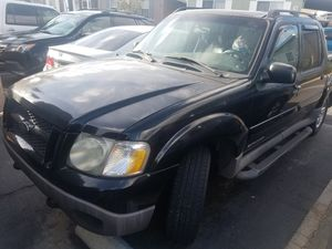 2001 Ford explorer sport track ( for parts or fix ) for Sale in El Monte, CA
