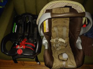 Graco car seat for Sale in Canandaigua, NY
