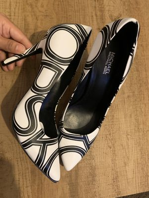 Michael Kors pumps for Sale in Bell, CA