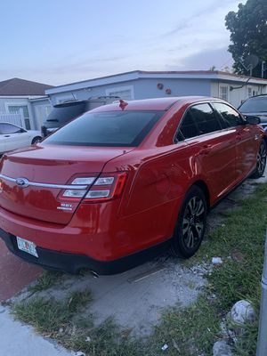 Ford Taurus for Sale in Hialeah, FL
