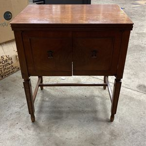 Antique Sewing Table for Sale in Granite Falls, WA