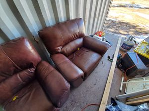Leather couch and recliner for Sale in Colorado Springs, CO