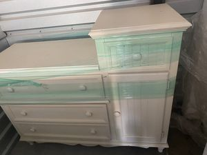 White Beadboard Changing Table for Sale in Chandler, AZ