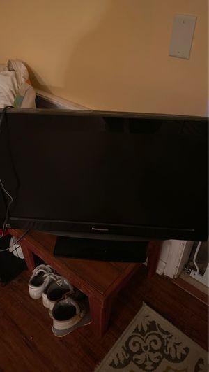 "Panasonic 32"" tv for Sale in Douglas, MI"