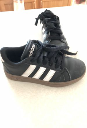 Adidas size 11 kids for Sale in Winter Haven, FL