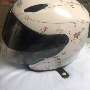NEW LADY SIZE -L- MOTORCYCLE HELMET for Sale in Tampa, FL