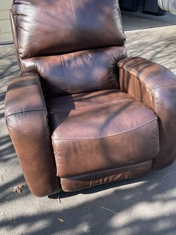 Leather Chair for Sale in Tualatin,  OR