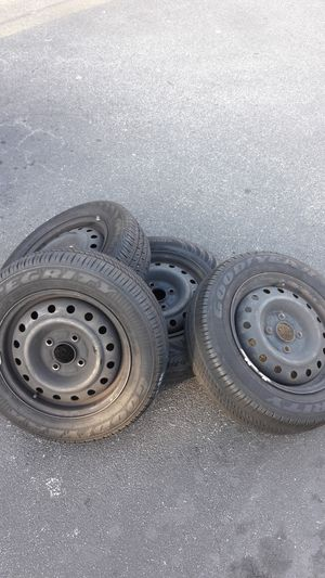 """Full set of 4-lug 15"""" Steelies with good tires for Sale in Jackson, NJ"""