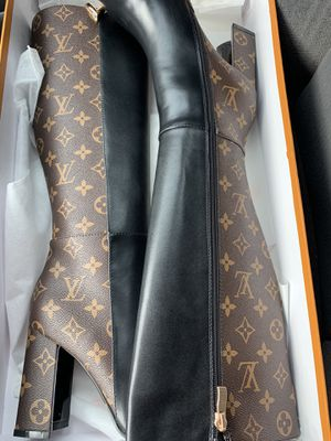 Louis Vuitton Knee High Boots for Sale in Dallas, TX