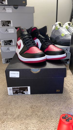 Jordan 1 mid bred toes for Sale in Woodbridge, VA