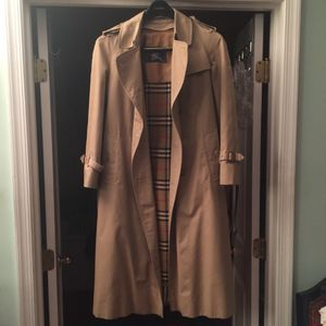 Burberry Trench Coat for Sale in Chillum, MD