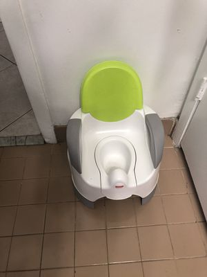 Potty training toilet for Sale in Pembroke Pines, FL