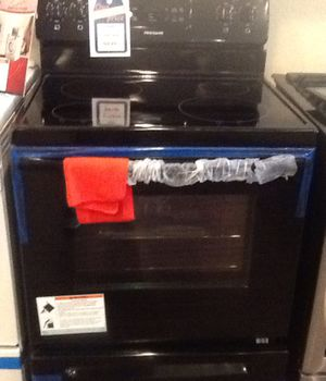 New open box frigidaire electric range LFEF3018TB for Sale in Hawthorne, CA