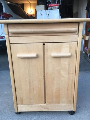 kitchen island for Sale in Sacramento, CA