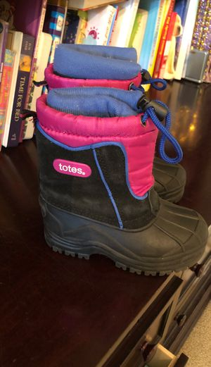 Snow boots size 8 kids for Sale in Orange, CA