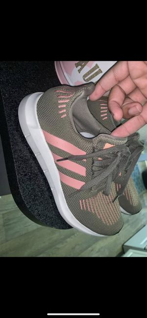 Women's Adidas size 7 for Sale in Murfreesboro, TN