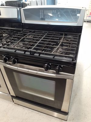 Whirlpool gas stove used in good condition with 90 day's warranty for Sale in Mount Rainier, MD