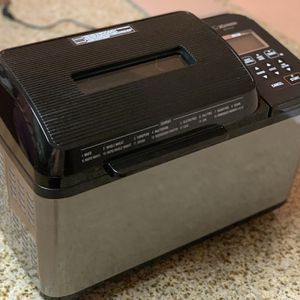 Bread Maker Zojirushi BB-PDC20 for Sale in Wilton, CT
