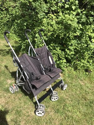 Twin stroller/ double stroller for Sale in Oregon City, OR