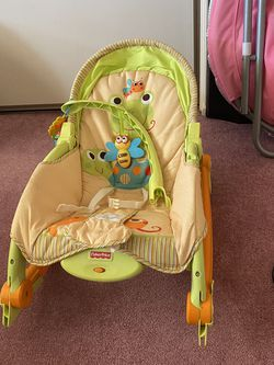 Fisher Price Newborn to Toddler Portable Rocker for Sale in Rosemead,  CA