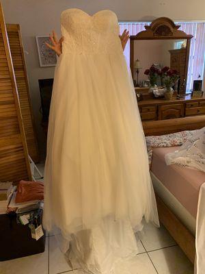 Size 8 wedding dress for Sale in Miami, FL