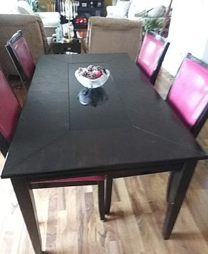 Kitchen Table $275.00 for Sale in Columbus, OH