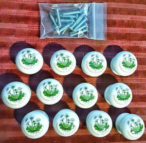 "White porcelain oxeye daisy drawer cupboard knobs 1.5 x 1.5"" chrysanthemum leucanthemum x 12 ! for Sale in Saginaw, MI"