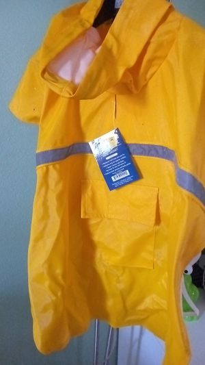 Rain jacket for dog largw for Sale in Mission Viejo, CA