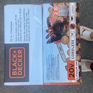 Black Decker Chainsaw for Sale in Leominster, MA