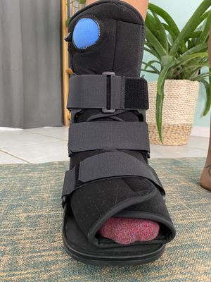 Stress Fracture Foot Brace Walking Boot United Surgical for Sale in Oviedo, FL