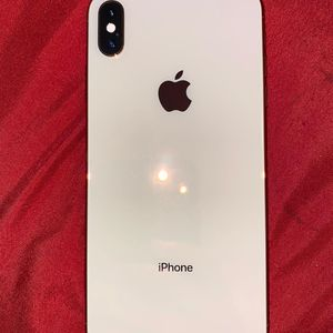 iPhone Xs Max 64 gb for Sale in Springfield, VA