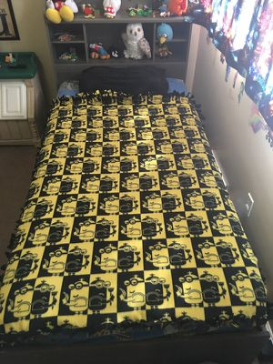 Minions fleece throw blanket Handmade for Sale in Redford Charter Township, MI