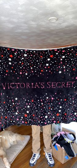 VICTORIA'S SECRET SHERPA BLANKET for Sale in New Bedford,  MA