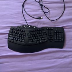 Perixx USB Split Keyboard  for Sale in North Bergen, NJ