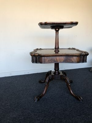 Beautiful antique table for Sale in San Carlos, CA