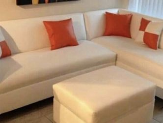 Gorgeous Sectional Couch for Sale in Miami Springs,  FL
