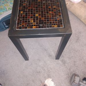 Solid Metal Plant Stand Tiled Top 14 X14 22 H for Sale in Alexandria, VA