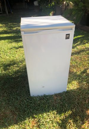 Mini fridge with freezer, a little scratched but works great !!! for Sale in Glendale, CA
