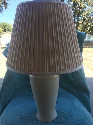 """22"""" tall ceramic Cream color lamp and shade for Sale in Rancho Cucamonga, CA"""