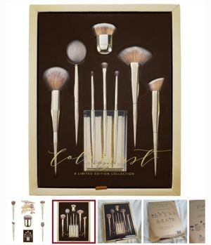 Colorjust Makeup brushes limited EDITION 8 brushes with an acrylic holder . for Sale in Orlean, VA