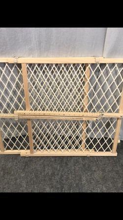 Baby Gate Pet Gate Dog Gatelocated in Smyrna Ga 30080 for Sale in Smyrna,  GA