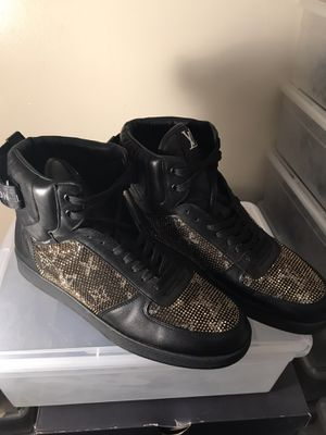 Men's Louis Vuitton sneaker boots Sz 11 for Sale in Bridgeport, CT
