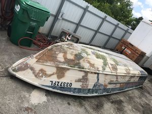 16 ft aluminum boat for Sale in Hialeah, FL