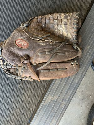 Baseball glove for Sale in Chino, CA