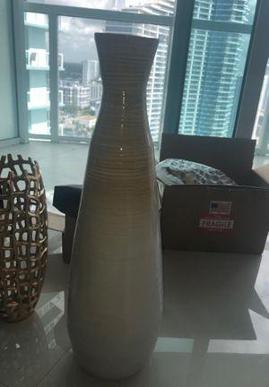 vase decor for Sale in Miami, FL