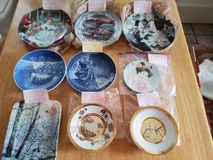 27 vintage decorative plates.. for Sale in Orlando, FL