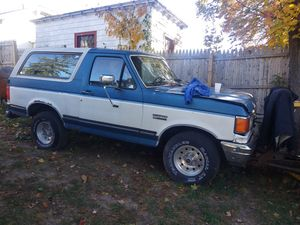Ford bronco 91 for Sale in New Haven, CT