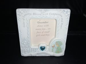 PRECIOUS MOMENTS DECEMBER PICTURE FRAME EXCELLENT CONDITION NO BOX for Sale in Henderson, NV