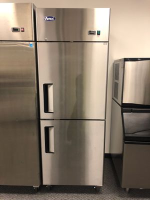Top mount half door commercial refrigerator cooler business equipment for Sale in Kent, WA
